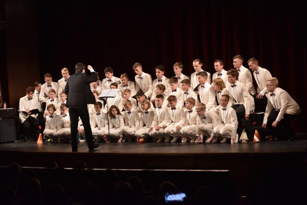 Руски хор Капела дечака и младића- (2)
